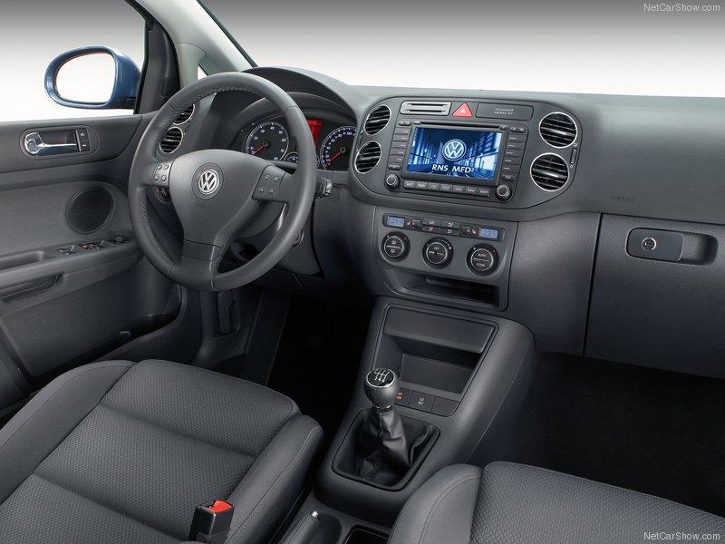 Volkswagen-Golf_Plus_2005_800x600_wallpaper_55