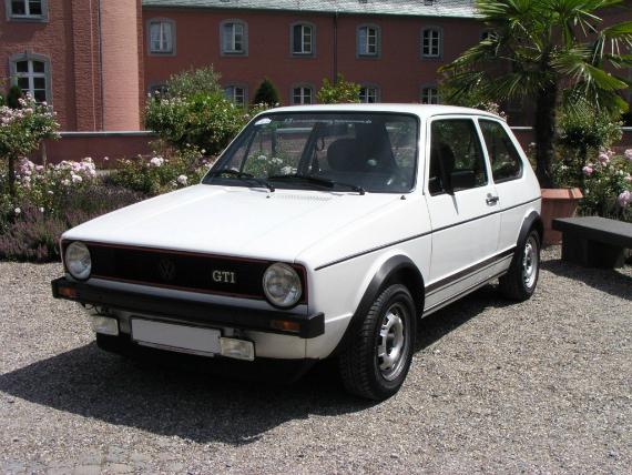 P089_VW_Golf_1_GTi_2